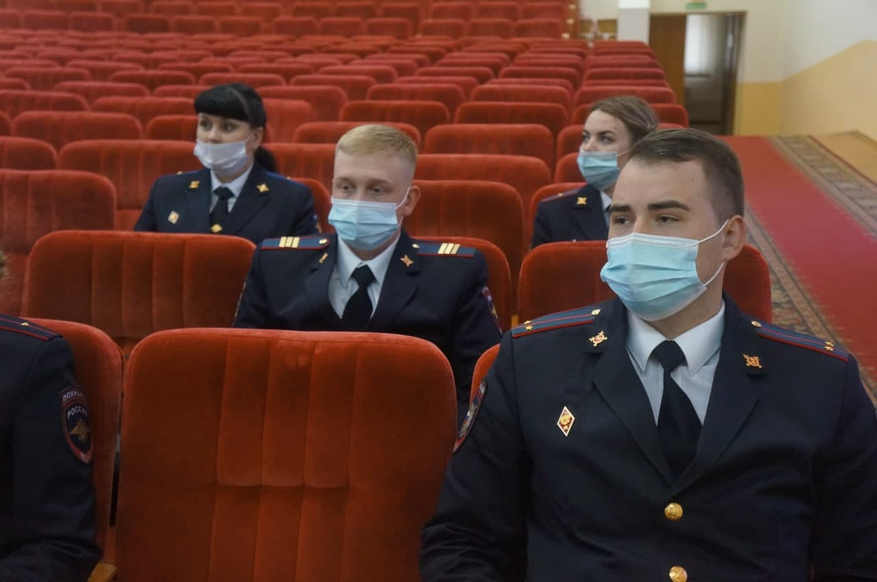 Полицейские из Кузьминок прошли повышение квалификации в Центре профессиональной подготовки